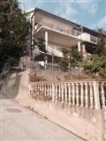 Se izdavaat apartmani vo Crna Gora Kumbor