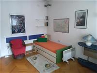 Se izdava soba vo Skopje strog centar