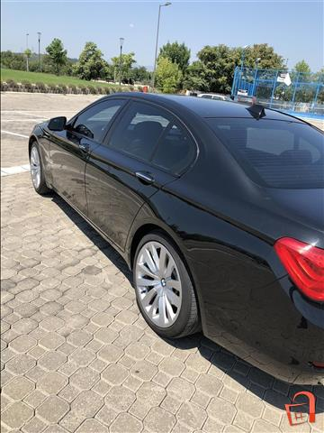 BMW-740-