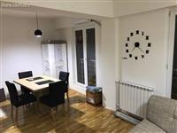 Stan renoviran na odlicna lokacija