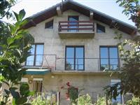 Kuka na prizemje sprat i potkrovje vo Bitola