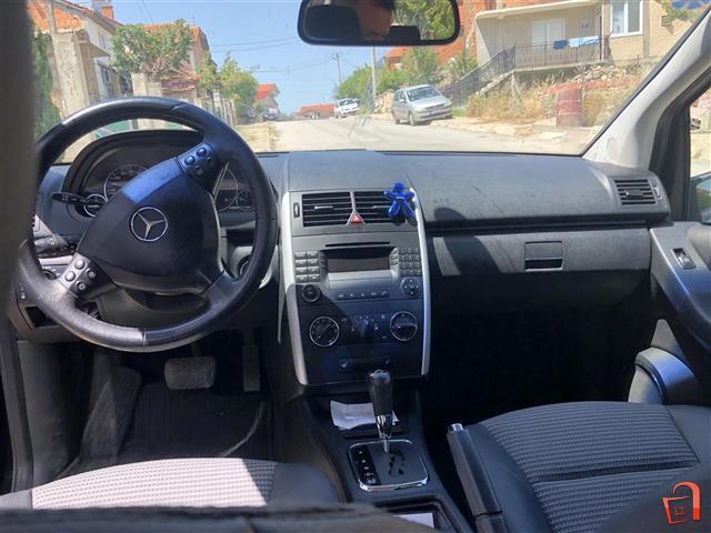 Mercedes-Benz-A-180