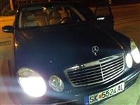 Mercedes E 220 vo super sostojba staklo