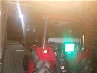 Traktor skoro nov