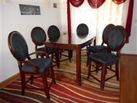 Trpezariska masa so 8 stola