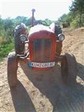 Traktor IMT 539 Delux