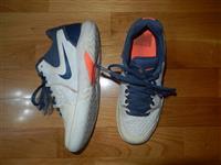 Patiki Nike broj 39