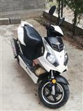 Hamachi 50 cc NOV 150 Km VOZEN