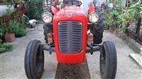 Traktor Ferguson 533