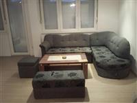 Luksuzen stan vo Topansko Pole so dvor