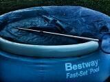 Bazen so sollarna BestWay pool