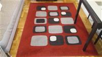 Visokokvalitetni tepisi kratko koristeni
