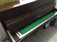 Klavir Petrof