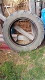 Traktorski gumi