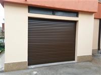 Aluminiumski garazni vrati na dalecinsko