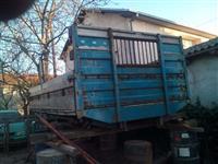 Sandak za kamion so aluminski stranici i 2 trapovi