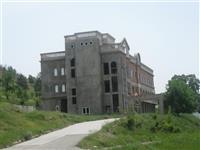 HOTEL ILI PENZIONERSKI DOM SO 30.000m2 DVOR