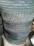 Polovni gumi 19.5 odlicni za traktorski prikolici
