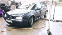 VW GOLF 1.9 TDI 110 FULL OPREMA ODLICNO SOCUVAN