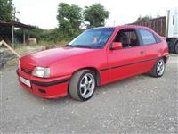 Opel Kadett 1.4i sega reg -92