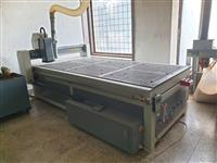 CNC mashina zaedno so mashina za kruzno kantiranje