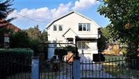 Продавам реновирана куќа во Пинтија (за живеење или бизнис)