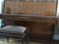 Klavir pijanino Petrof