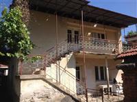 Kuka so dvorno mesto vo selo Istibanja