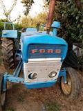 Traktori Ford 3000 i 2000 so komplet mehanizacija
