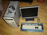 Komplet kompjuter MAXDATA