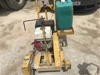 Masina za secenje asfalt
