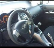 Toyota Auris srebren 1.4 98 ks 40000km