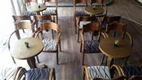 Masi i stolici vo odlicna sostojba
