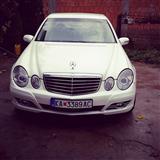 Mercedes-Benz E220 260 000 registriran cela godina