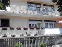 Sobi vo blizina na Zenska plaza Struga