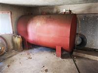 Rezervoar za nafta 1500 litra i kotel za nafta