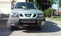 Nissan Terrano 2,7 td -02