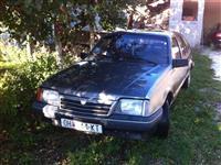Opel Ascona 89 2.0i -89
