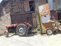 Traktor so masina
