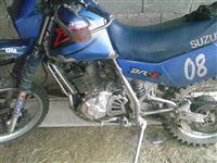 Suzuki DR