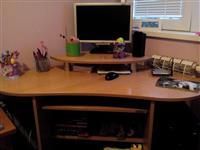 Kompjutersko biro i masicka komoda