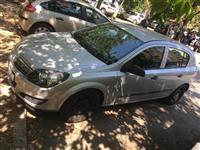 Opel Astra kako nova