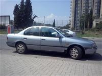 Nissan Primera -93