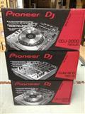 2x Pioneer CDJ-2000 Nexus