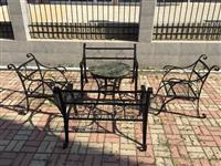 Masi i stolovi od kovano zelezo