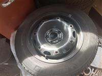 Bandazi so se Gumi 165/70/14 za VW