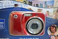 HP CW450 12 MP Digital Camera with 4X Optical Zoo