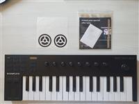 MIDI Keyboard: NI Komplete Kontrol m32