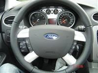 FORD FOCUS 1.4 i TREND