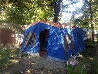 Sator za kampiranje